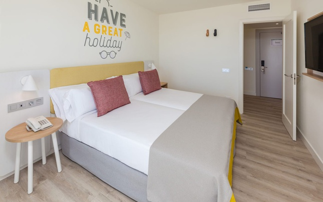 Family suite view abora interclub atlantic by lopesan hotels gran canaria